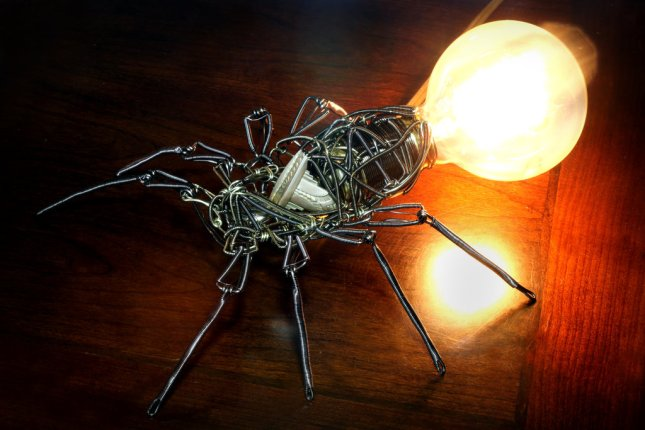 steampunk_spider_lamp_by_catherinetterings-d6ugb5v