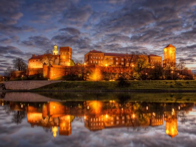 Krakow-Wawel-Castle.jpg